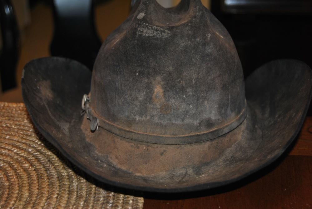 A Cowboy's Hat (4/6)