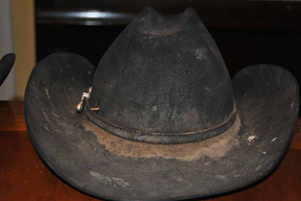 A Cowboy's Hat (3/6)