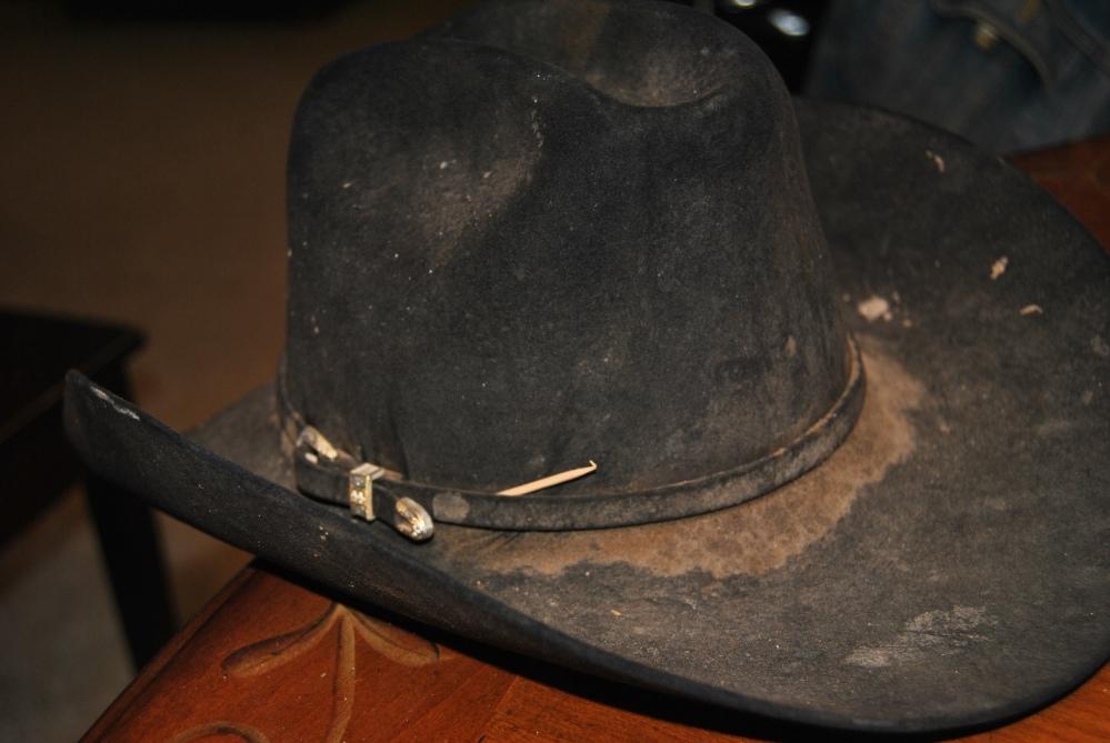 A Cowboy's Hat (2/6)